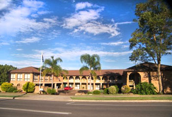 Cumberland Motor Inn - Holiday Byron Bay