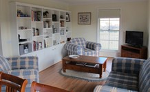 Bathurst Farmstay at Riverbend Cottage - Holiday Byron Bay