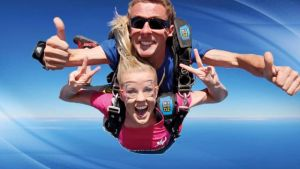 Skydive Oz Canberra - Holiday Byron Bay