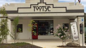 Tootsie Fine Art and Design - Holiday Byron Bay