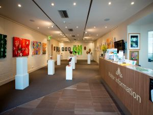Australian National Botanic Gardens Visitor Centre Gallery - Holiday Byron Bay