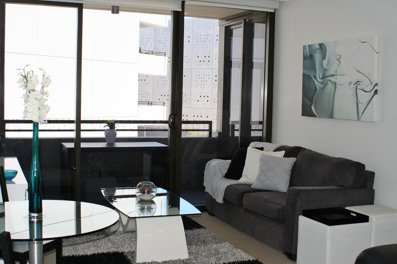 Modern Executive AptBarton1BRWiFiGymSecure ParkingCanberra - Holiday Byron Bay