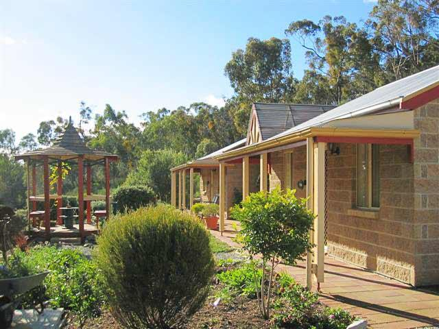 Riesling Trail  Clare Valley Cottages - Holiday Byron Bay