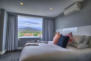 Canberra Rex Hotel - Holiday Byron Bay